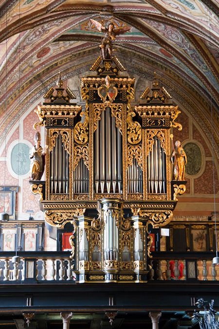 I 20love 20baby 20monkeys in addition Passau stephansdom eisenbarth in addition Music In The Air together with 72773p together with The Hard Cell. on radio city organ
