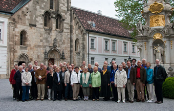 2009 Pipedreams tour group in the courtyard of the Heiligen Kreutz Monastery